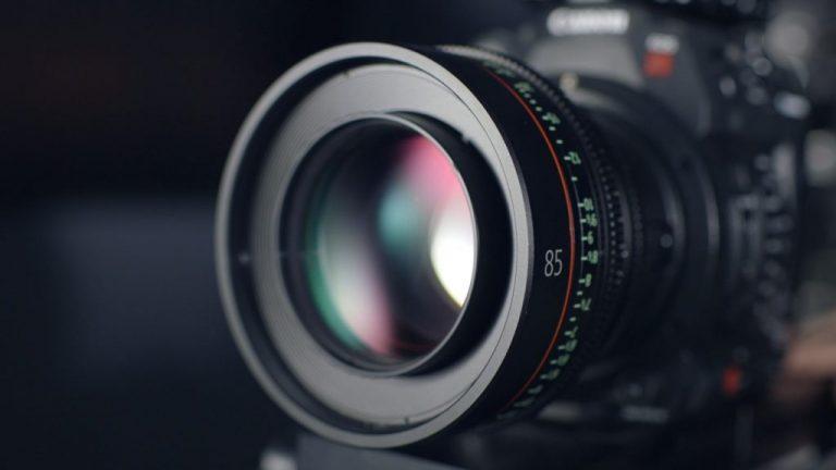 Lente e objetiva de uma câmada de filmar